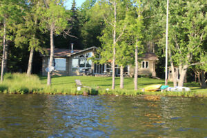 Lakefront House close to Huntsville