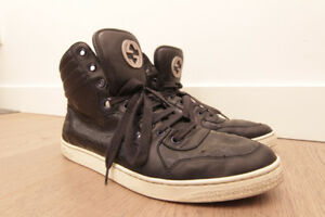 8814cf8f4 USED AUTHENTIC GUCCI Shoes size 9 (sneakers)