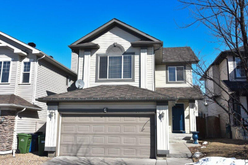 Great Fully Finished 4 Bedroom House In Tuscany Nw Calgary