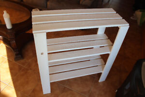 Plant stand or book shelf