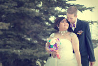 Looking for affordable wedding photographer?