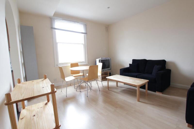 Spacious one bedroom flat just a short walk to Swiss Cottage Station