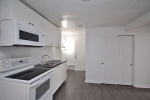Trendy, Cozy & Fully Renovated! Appliances, Parking, Oct1 / 15th