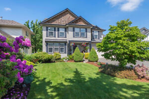 Beauitiful, Spacious, Custom Built Home with 2 Bedroom Suite!