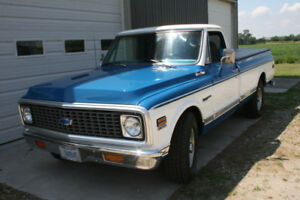 1972 Chev C20 3/4 Ton Pickup with A/C - Nice and Clean