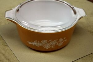 Collectable Pyrex Large ButterflyGold  (1979)  Dish 2.5lt + lid Kingston Kingston Area image 2
