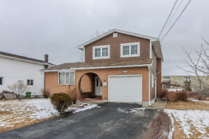 62 Brookfield Ave, Dartmouth