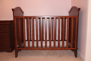 Crib and dresser - Made in Canada Cambridge Kitchener Area image 2