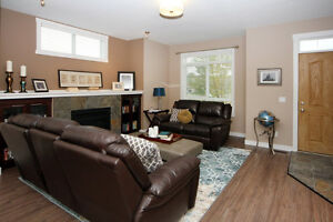 BEAUTIFUL 3 BED ROOM TOWN HOME FOR RENT