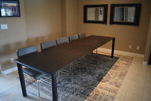 BRAND NEW extendable Italian-made dining table.