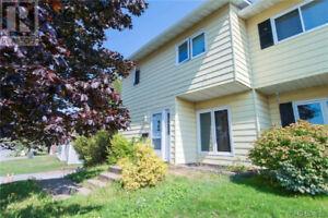 Millidgeville, 3 bdrm Duplex/townhouse/house, available April.