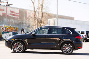 2011 Porsche Cayenne TURBO PERFECT CONDITION!