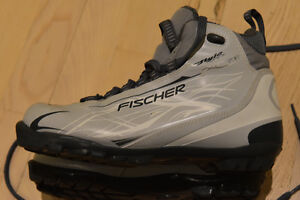 Like New Fischer X-Country Boots EUR 43 - NNN