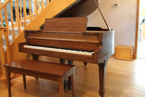 """GRAND PIANO 5'-3"""" VOSE AND SONS"""