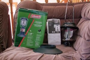COLEMAN PERFECTFLOW 2 MANTEL PROPANE LANTERN USED ONLY ONCE