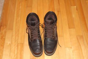 BEAUTIFUL TIMBERLAND CASUAL BOOTS.LIKE NEW!! SIZE 11