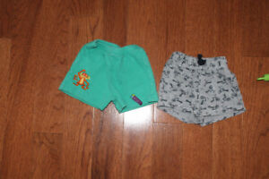 2 pairs of shorts size 6-12m