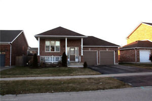 3BR Executive Ingersoll home 10 minutes from Woodstock.