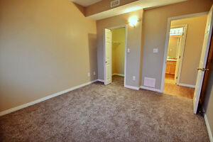 Beautiful 2 Bdrm Condo with New Flooring & Paint Edmonton Edmonton Area image 8