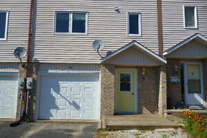 UPDATED. AFFORDABLE. IMMACULATE. GREAT TOWNHOUSE IN ELLIOT LAKE!