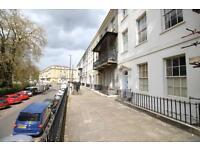 1 bedroom flat in Richmond Terrace, Clifton, BS8 1AA