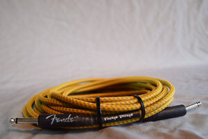 """Fender """"Vintage Voltage"""" Cable. 18ft Tweed Yellow"""