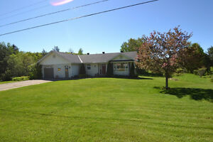 Attractive 1611 sq ft custom built home in Bancroft