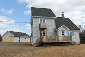 Spacious Home or Ski Cottage in Wentworth For Sale