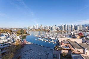 False Creek magnificent front-line 180 degree panoramic view hom