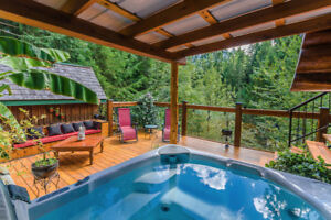 Beautiful Log Home on the Nanaimo River