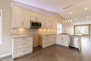 River Heights renovated bungalow townhouse!