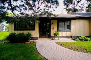Gorgeous Bungalow in Adult Lifestyle Community