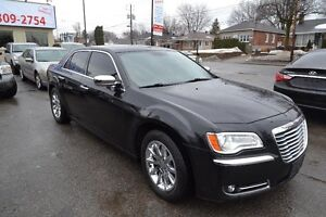 Chrysler 300 4dr Sdn Limited RWD 2011