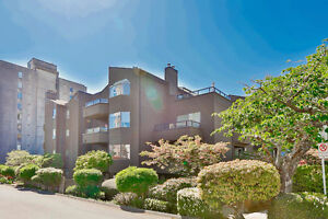 One of a kind Quality; Ambleside duchess condo - 916ft2
