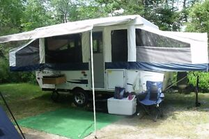 2012 Palomino Real Lite Tent Trailer - 12ft- with slide out