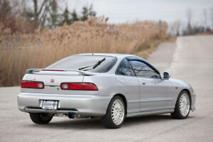 Wanted: Acura Integra with a CLEAN body