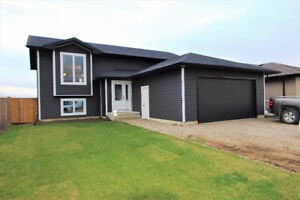 CASH BACK MORTG! Perfect starter home near Saskatoon!!