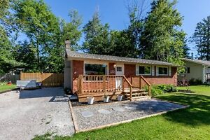 Beautiful fully renovated 3 bedroom bungalow in Innisfil!