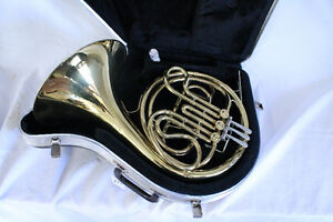 FRENCH HORN USED KING