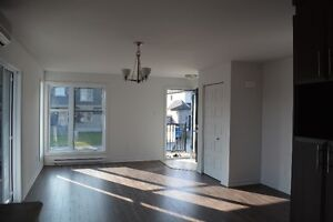 Libre Imméd,2cc,1 mois Gratuit/ 2bed,Avail now,1 freeMonth, Hull Gatineau Ottawa / Gatineau Area image 3