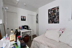 Superbe studio rénové tout inclus Nouvo St-Roch