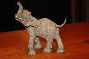 "Martha Carey ""The Herd"" collectible elephant - Beau"