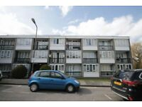 1 bedroom flat in Ashbourne Court, Woodside Park, N12