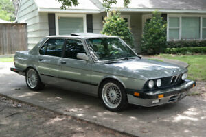 Wanted Bmw e28 5 series