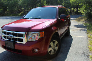 2009 Red Ford Escape XLT 4WD 3.0L, 128K km