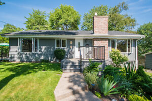 WEDGEWOOD BUNGALOW - UPDATED FAMILY HOME ON HUGE LOT!