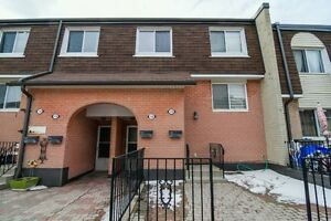 Only $345,000! 3 Bed Townhouse Near Port Credit & Clarkson GO