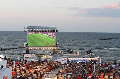 Public Viewing with a view. Der Fußball-Strand in Heringsdorf. (Foto: Imago)