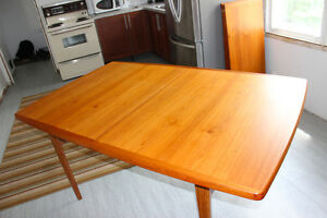 Teak Dining Room Table - 2 Leafs Included