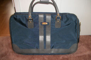 2 pcs Cruisaire carry on luggage